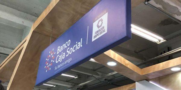 Stand para el banco caja social en Colombia