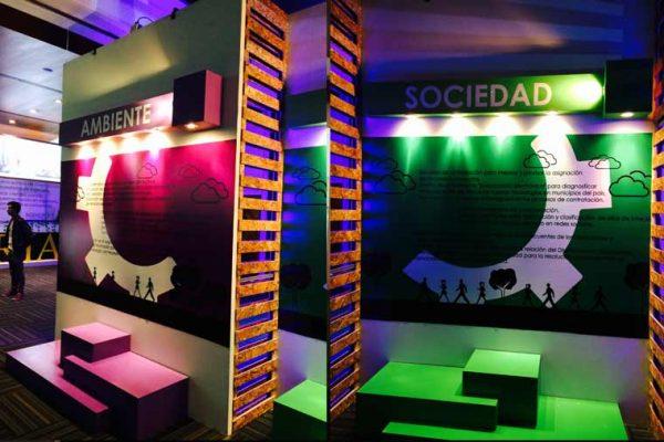 Vista muros para fotografías con iluminación y conceptos temáticos del evento