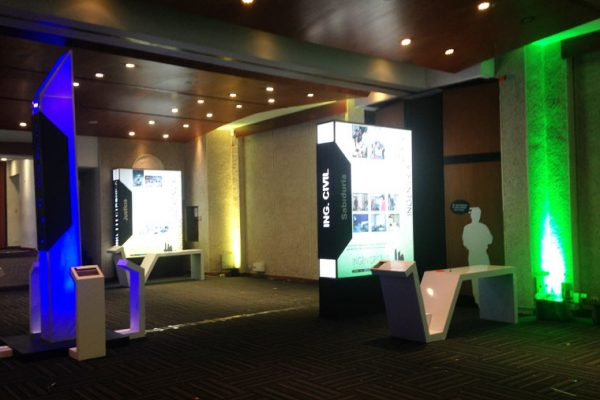 Cajas de luz programas con columnas cajas de luz, conceptos de iluminación