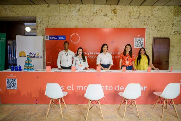Punto de atención en la embajada italiana en Cartagena
