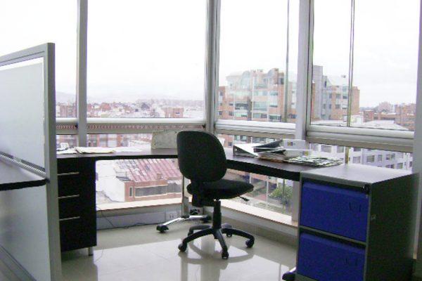 Puesto de trabajo tipo para oficinas y remodelaciones