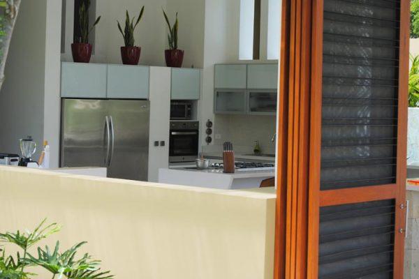 Cocina y carpiteria en cedro para casa en Mesa de Yeguas