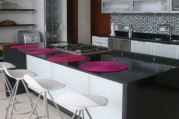Vista frente de cocina en anapoima