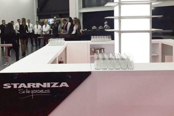 Vista barra central con logos de la marca y la casa matriz en Colombia