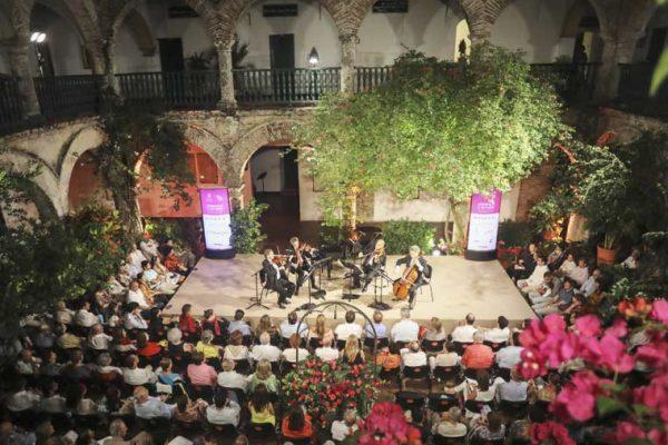 concierto-con-decoracion-romantica