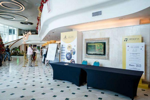 Lobby hotel Hilton, punto de información