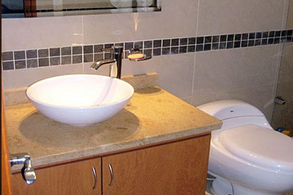 Enchape de baño tipo para obra en bogotá
