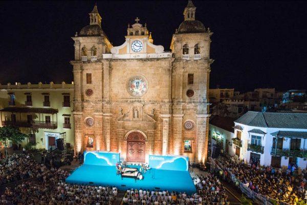 Vista sobre el escenario Plaza San Pedro