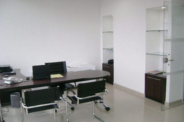 Construcción de muebles para puestos de trabajo kinetex