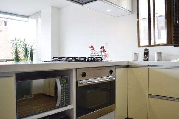 Horno y estufa de cocina integral en Bogotá