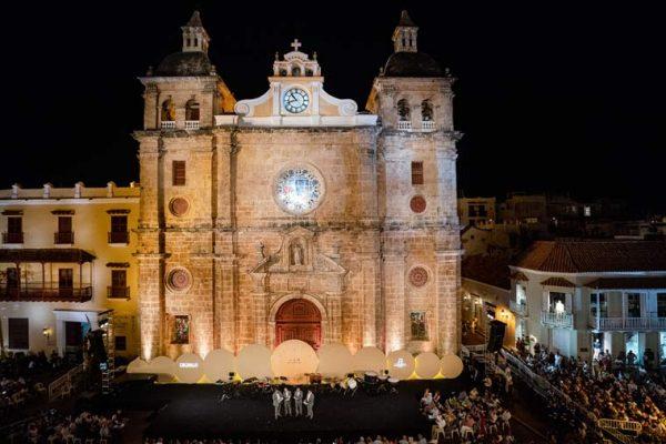 Vista escenografía Plaza de San Pedro.círculos en distintos planos