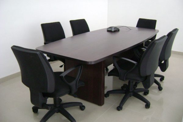 Diseño de sala de juntas y remodelación de oficinas