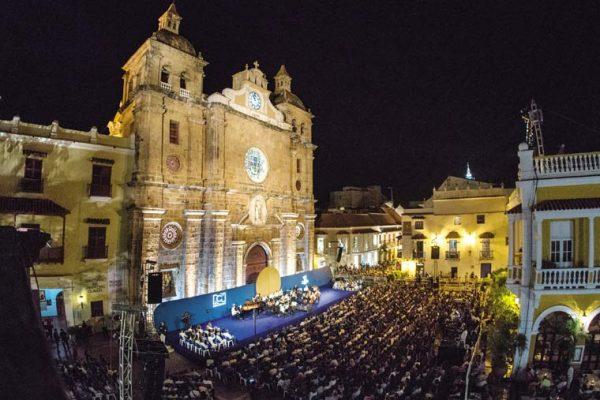 Vista del escenario Plaza San Pedro